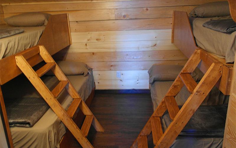 Chalets intérieur- chambre - Pourvoirie du Lac Croche Saint-Côme - Lanaudière